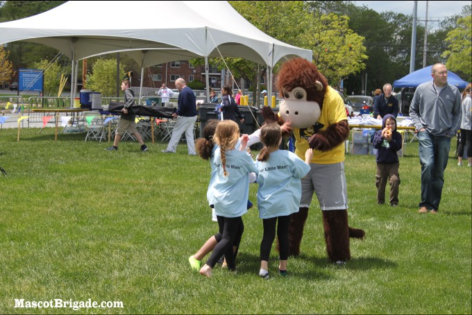 MascotBrigade Coastee Delaware Buddywalk Friends